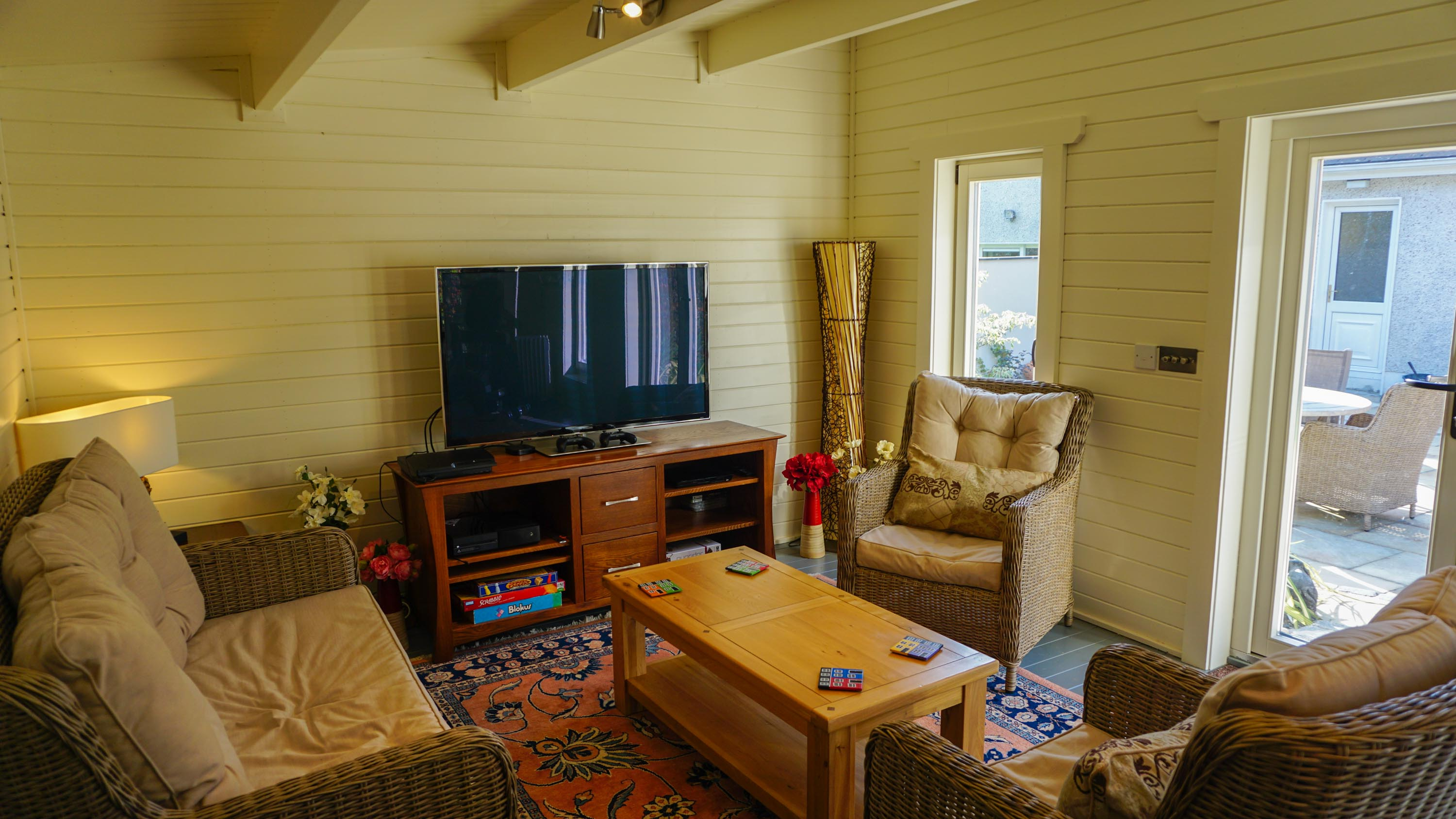 Home office log cabin loghouseie for Home office cabins