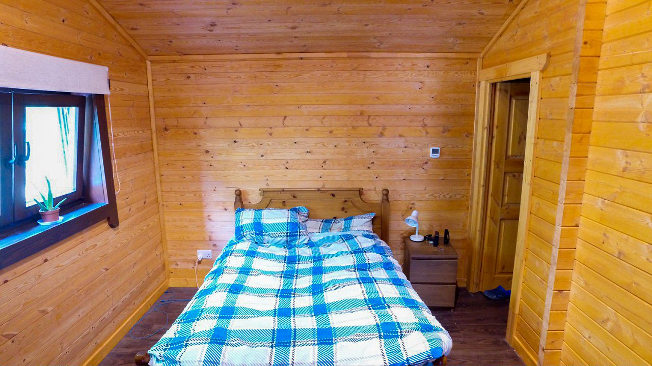 Super Insulated Three Bedroom Log House Oct 2016