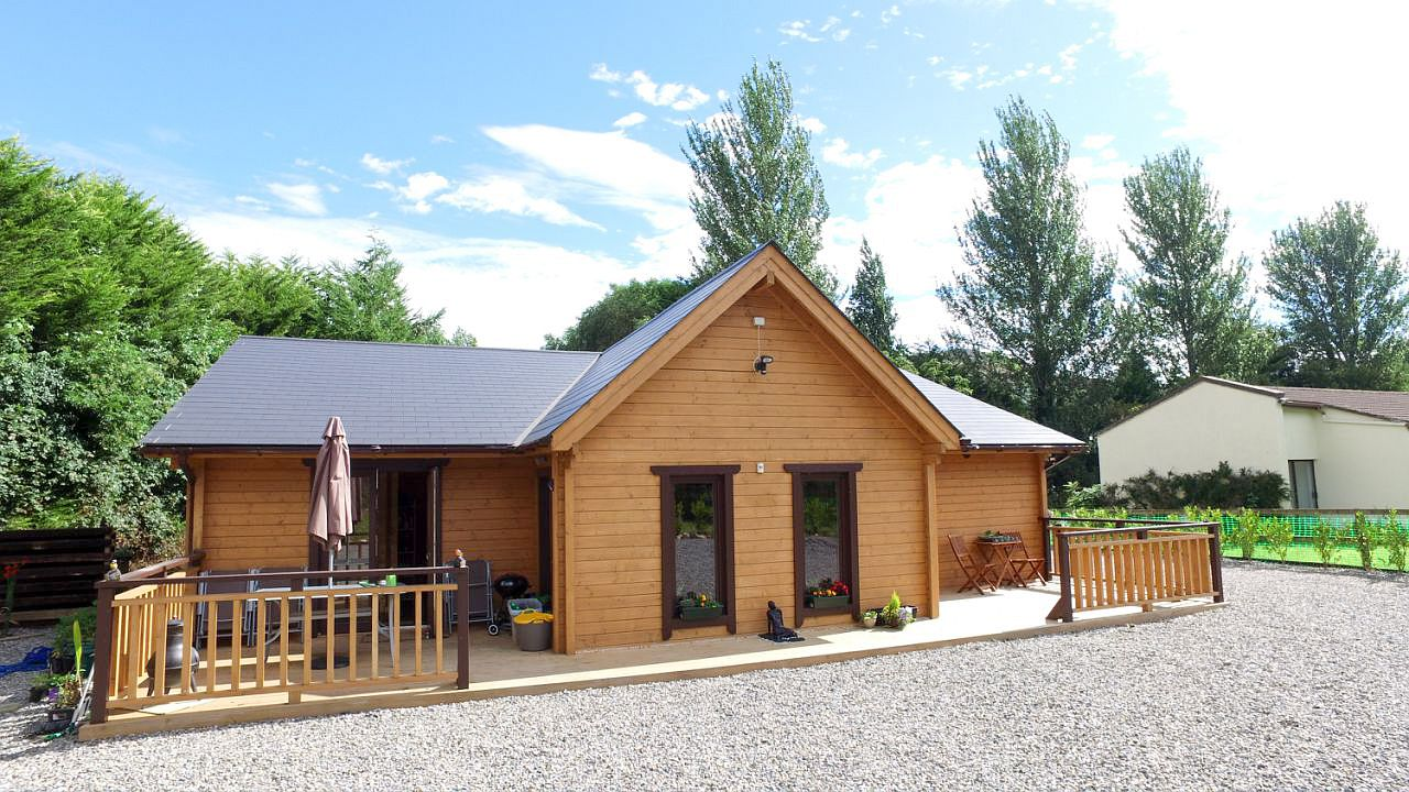 Super insulated three bedroom log house oct 2016 for 3 bedroom log cabins