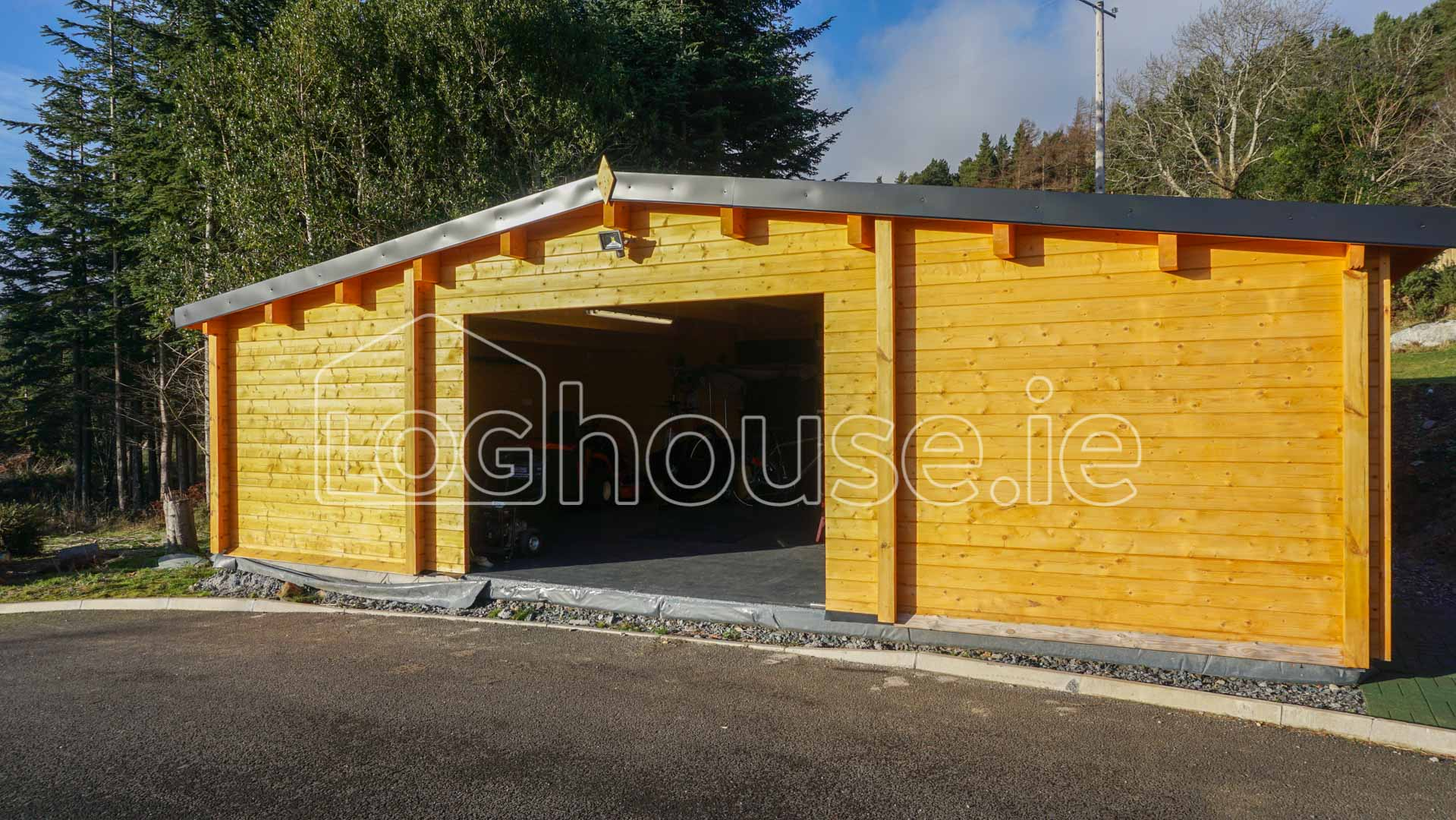 Garage log cabin for Log cabin garage