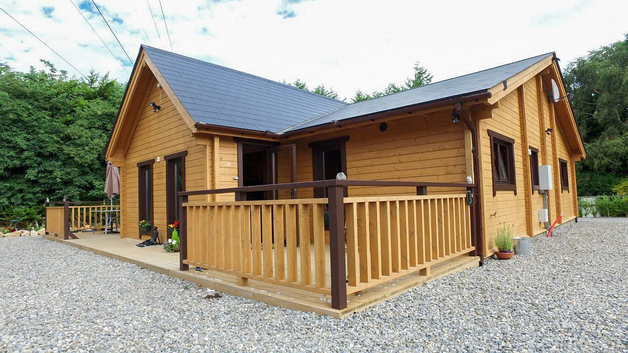 Super insulated three bedroom log house oct 2016 for 3 bedroom log cabin house plans