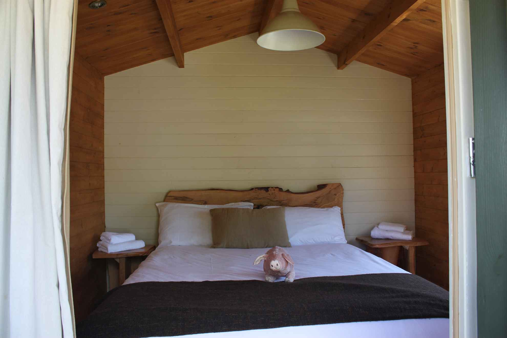 Glamping Log Cabins Bedroom 4