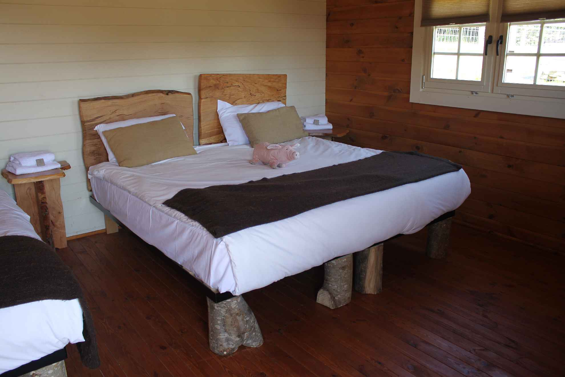 Glamping Log Cabins Bedroom