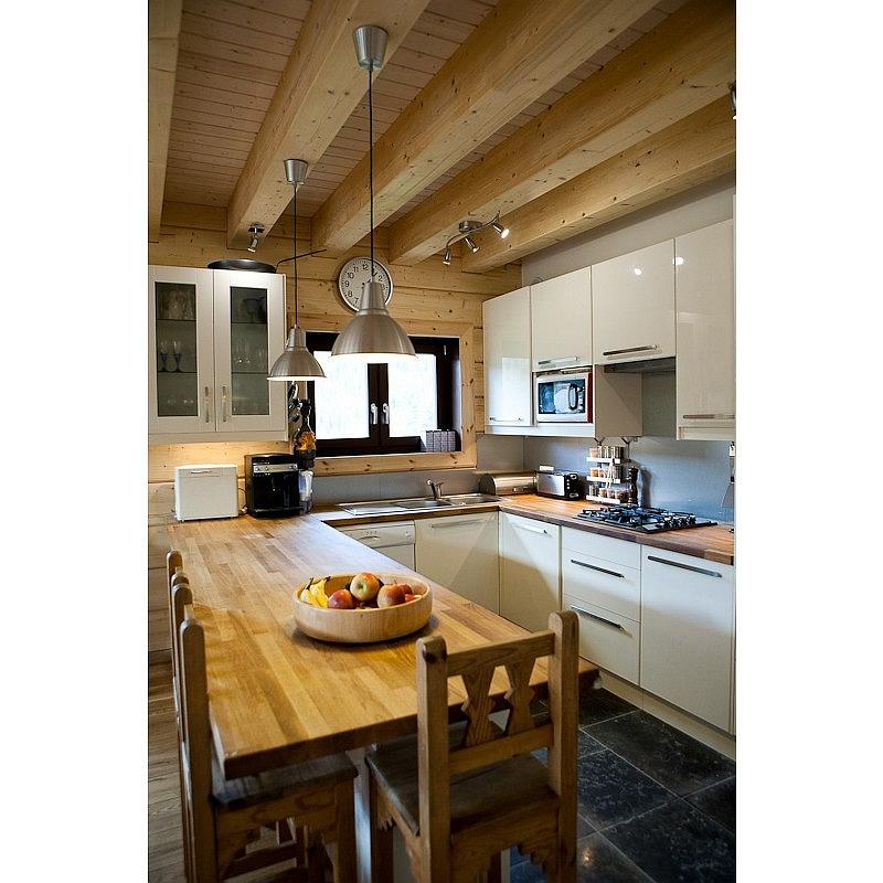 Log house laminated timber house 17