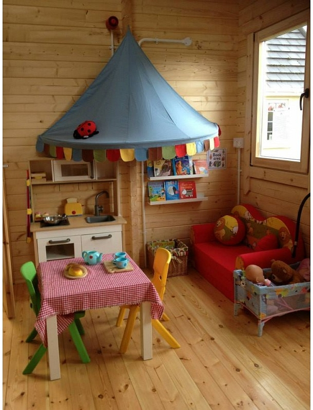 Beehive Pre-School Log Cabin Interior 2