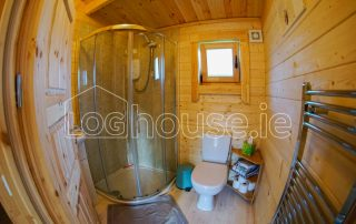 One Bed Log Cabin Bathroom