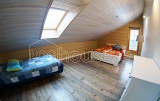 Glulam Log Cabin House Bedroom2