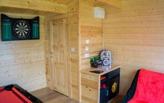 Loghouse-Wicklow-Cabin-Bathroom-Door