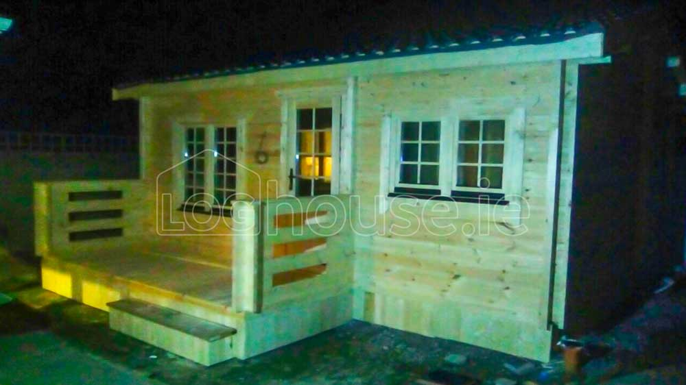 Budget-One-Bed-B-Log-Cabins-1-of-4