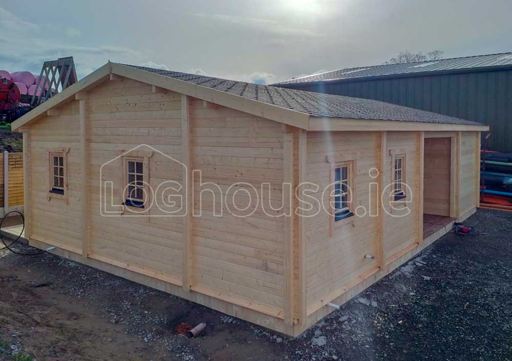 Budget-Three-Bed-Log-Cabins-1-of-2