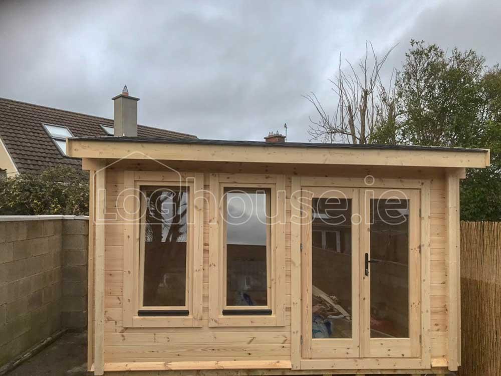 Newcastle-Log-Cabin-1