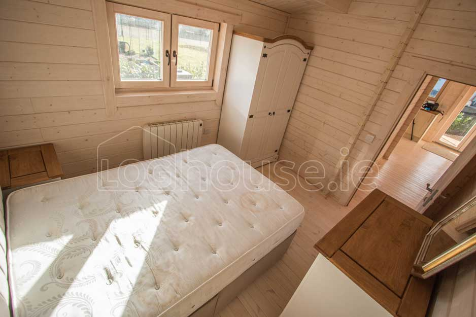 Two-Bed-Type-F-Log-Cabin-2
