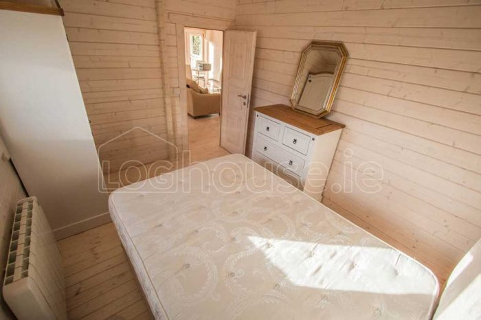Two-Bed-Type-F-Log-Cabin-3