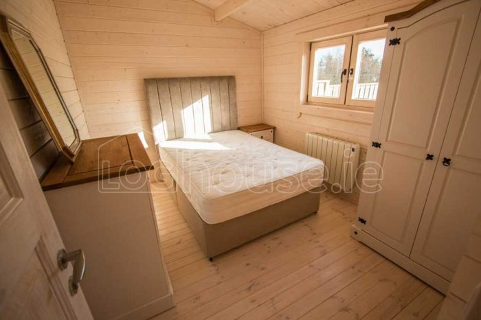 Two-Bed-Type-F-Log-Cabin