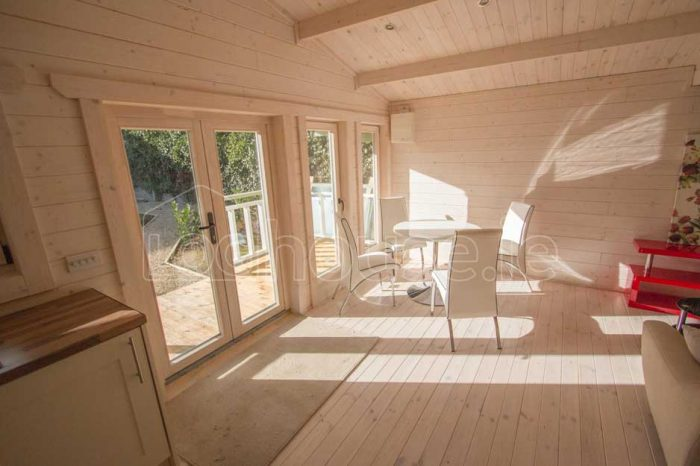 Two-Bed-Type-F-Log-Cabin-8