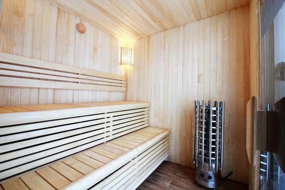 Loghouse's-new-sauna-garden-room---Interior