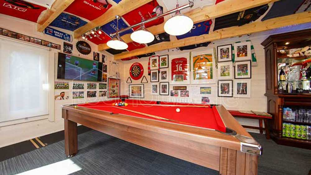 A-Garden-Snooker-Room-From-Loghouse